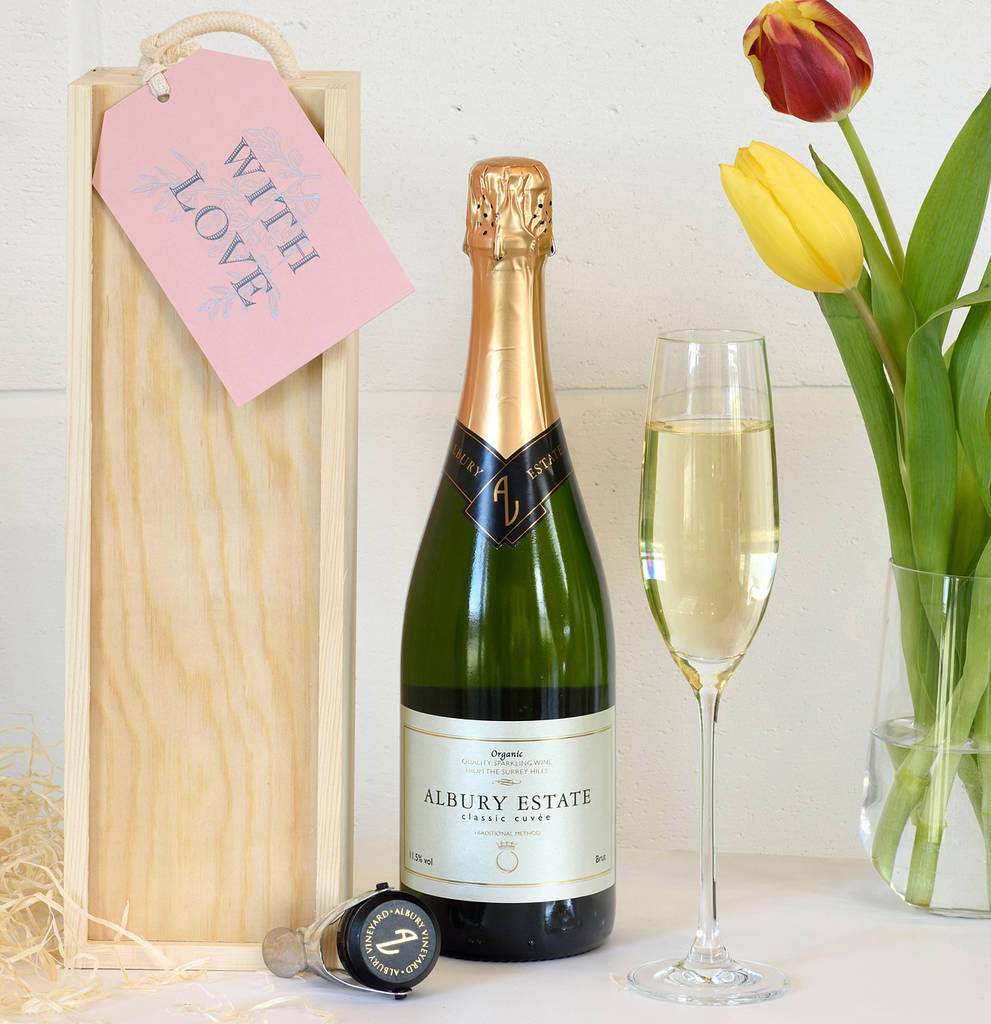 English Sparkling Wine With Wooden Gift Box