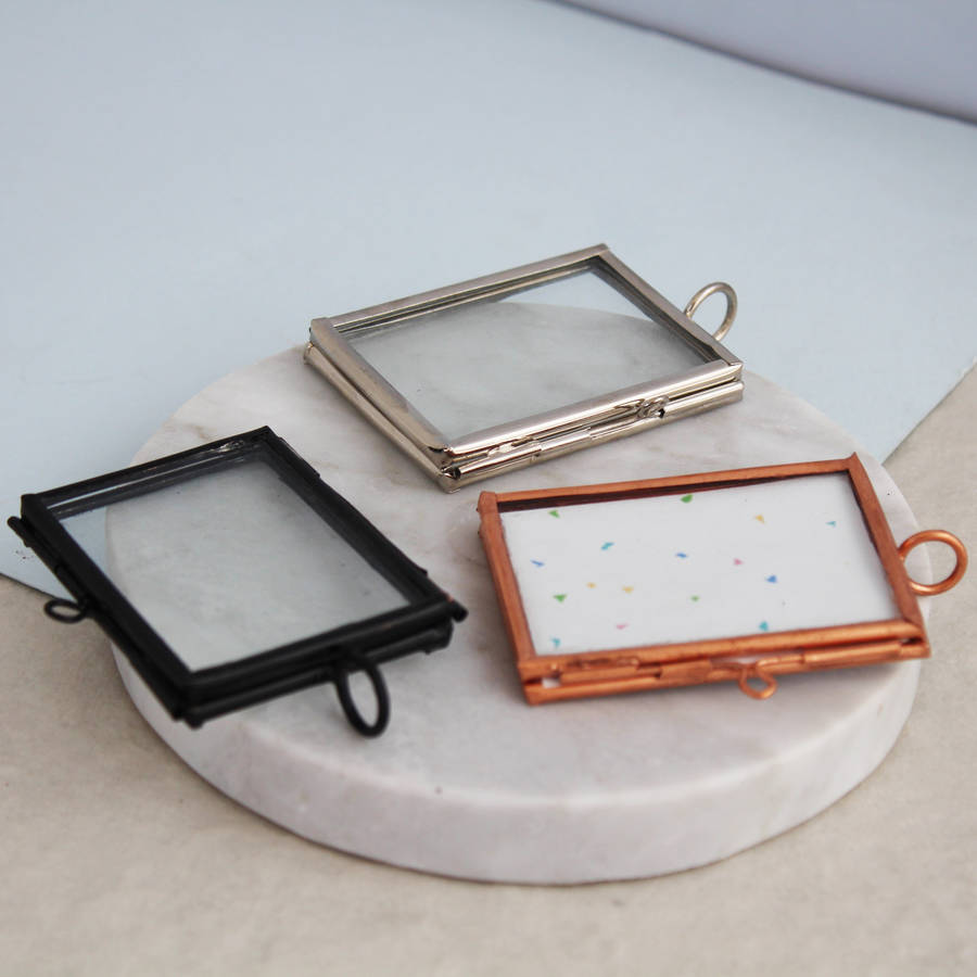 Mini Metal Hanging Photo Frame