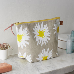 Daisy Floral Hand Screen Printed Linen Wash Bag