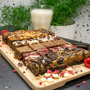 Gourmet Chocolate Brownies Gift Box - memorable picnic ideas