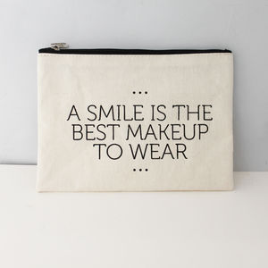 Smile Quote Make Up Bag - for travel-lovers