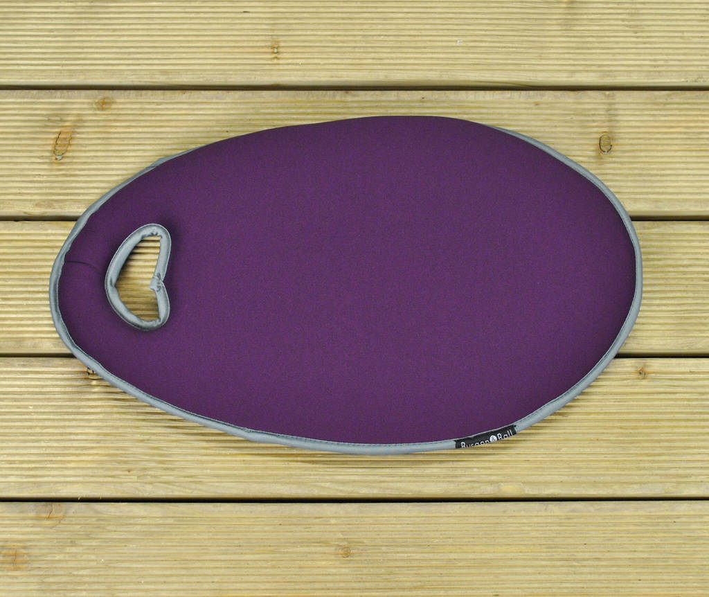 Garden Kneeler Mat In Plum