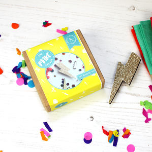 Flash Glitter Badge Making Kit - toys & games