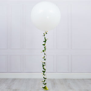 Daisy Tail Giant Balloon
