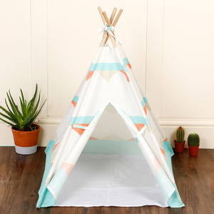 Ministry Of Pet Tribal Tee Pee Bed