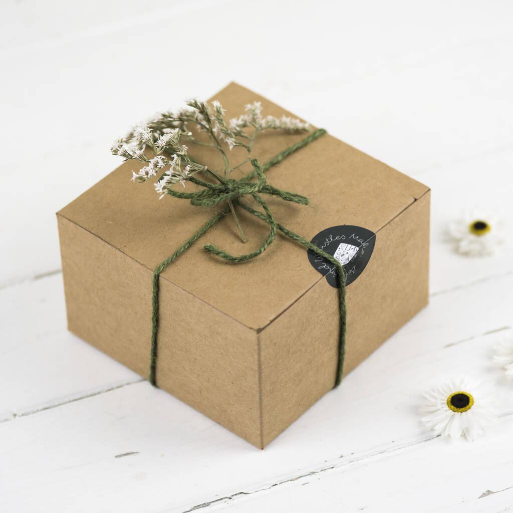 Resin initial keyring gift boxed
