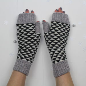 Triangle Knitted Fingerless Mitts - gloves