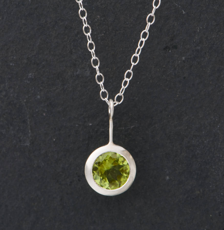 shop in pendant necklace at illusion peridot product modalist elisa scott kendra