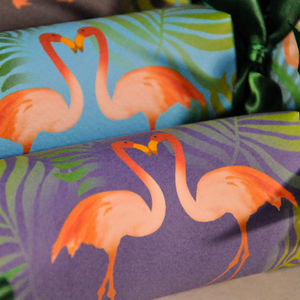 Party Crackers Box Of Six Flamingos Of Many Colours