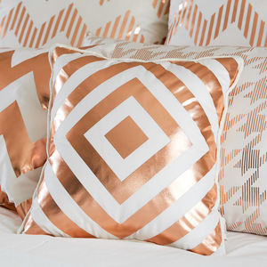 Metallic Geometric Diamond Print Cushion