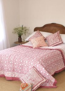 Rose Quilt - bedroom