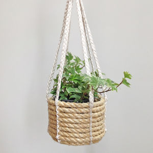 Rope Hanging Basket - new in garden