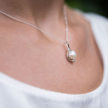 Silver And Pearl Orion Necklace