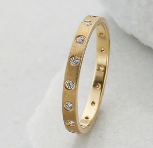 Slim 18ct Gold 16 Diamond Eternity Ring