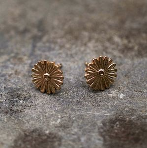 Daisy Stud Earrings 9ct Yellow Eco Gold