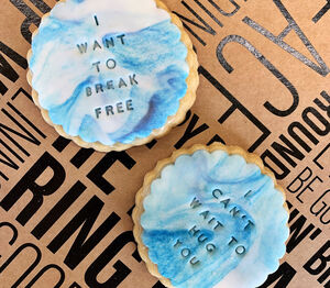 I Want To Break Free Two Biscuit Gift Box