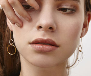 Faye Asymentric Minimal Earrings