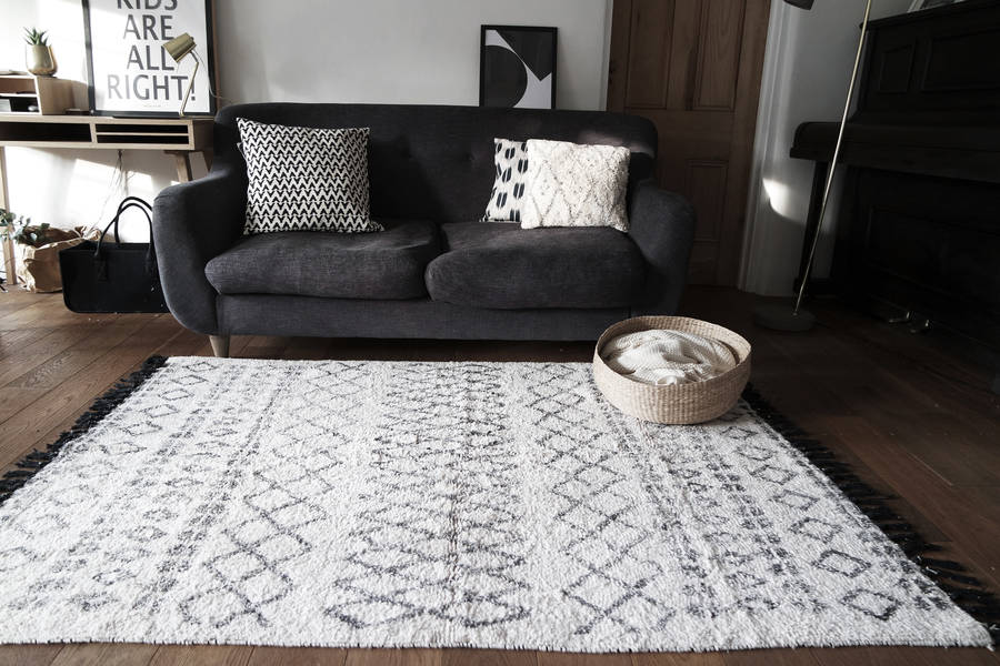 Berber Style Tuffed Monochrome Rug By Peastyle