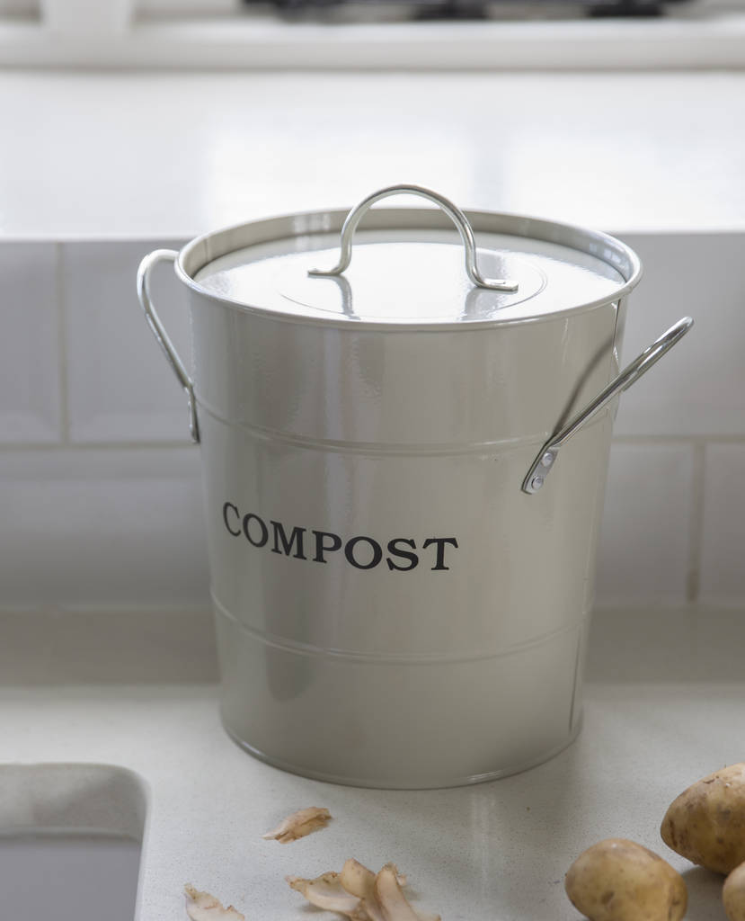 Homemade Fertilizer From Vegetable Scraps: Compost Bucket By Garden Trading