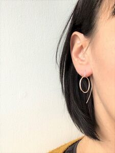 Round Pull Through Earrings