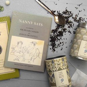 Two Books And Two Brews Tea Gift Set - gifts for grandmothers