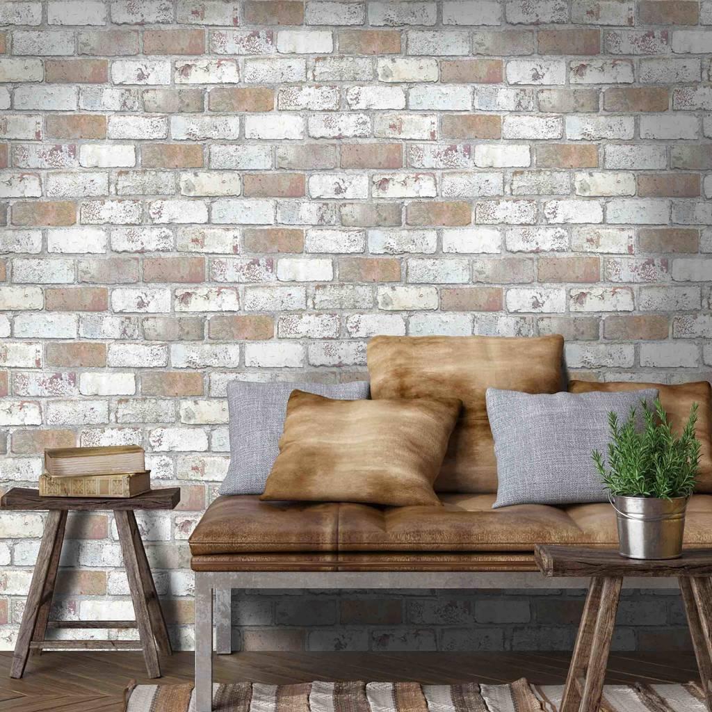 woodchip and magnolia brick