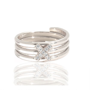 Diamond Kiss Charm Ring