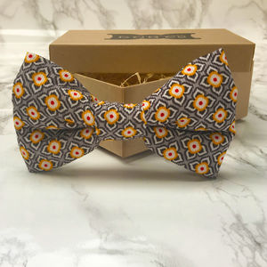 Sol Dog Bow Tie - clothes & accessories