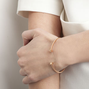 Vertical Semi Circle Disc Open Bangle - modern minimalism