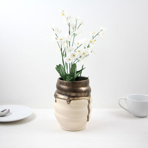 Ceramic Swirly Vase With Metallic Gold Glaze