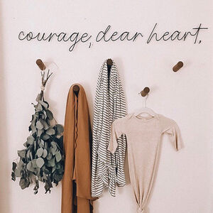 Wire Wall Words 'Courage Dear Heart'