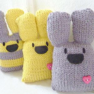 Three Easter Bunnies Knit Kit *Free Delivery*