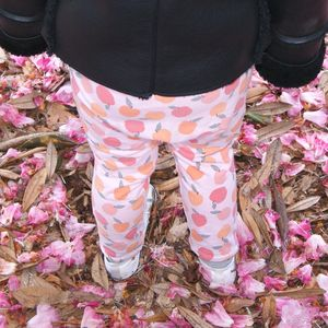 Girls Leggings With Peach Print, For Baby And Child