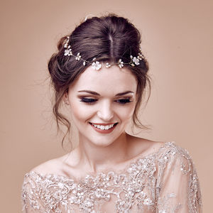 Wedding Hairvine Daisy - wedding fashion