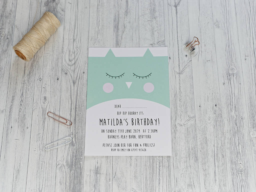 Cute Owl Party Invitation