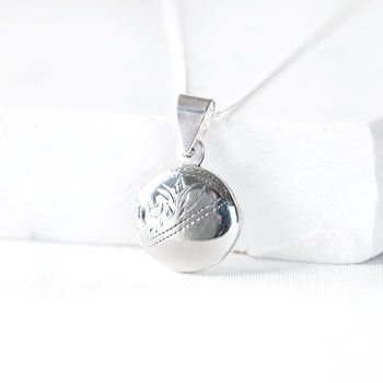 Round Silver Photo Locket