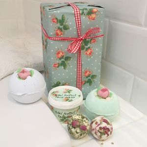 Bath Bombs And Luxury Face Wash Gift Set