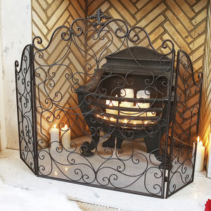 Country Manor Majestic Iron Fire Guard