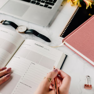 'Dear Diary' Inspirational Lifestyle Planner - find your routine