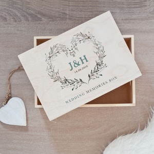 wedding keepsake and memory boxes