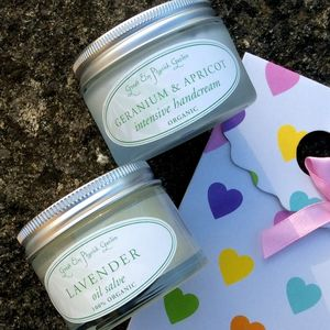Helping Hands Organic Skincare Rescue Gift Set