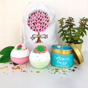Personalised Bath Bombs And Candle Set
