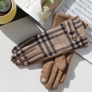Merino Wool Tartan Gloves In Beige Or Grey