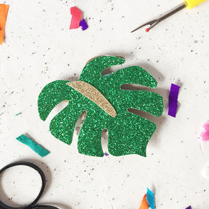 Botanical Badge Making Craft Kit - party bag filler ideas