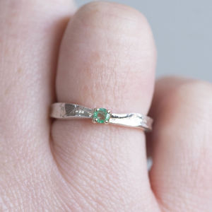 Emerald Textured May Birthstone Ring - rings