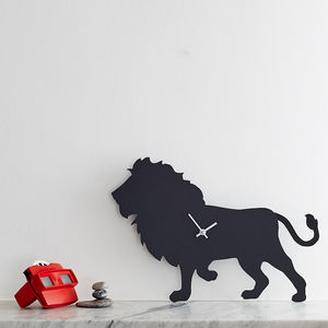 Lion Clock With Wagging Tail - clocks