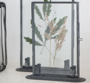 Metal Photo Frame With Stand