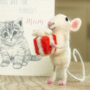 Mouse With Present
