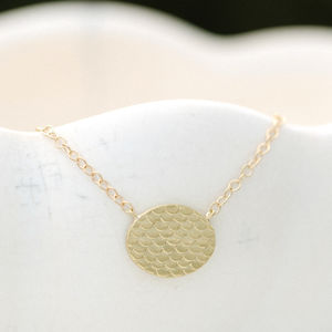 Fish Scale Patterned Gold Necklet