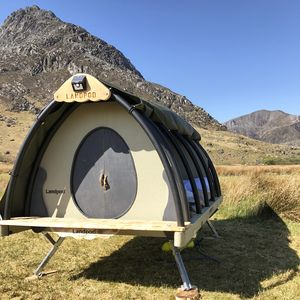 The Cosy Cocoon Glamping Pod - 5th anniversary: wood